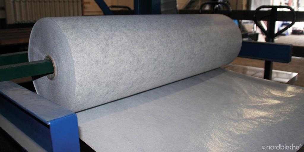 antikondensbeschichtung als schwitzwasserschutz bei trapezblech. Black Bedroom Furniture Sets. Home Design Ideas