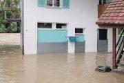 Haus im Wasser eingeschlossen