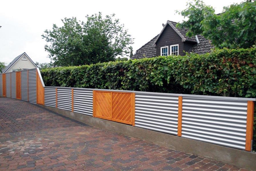 Zaun mit Wellblech als Schutz für Ihr Grundstück