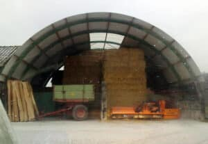 Bogenhalle-auf-Silo-aufgesetzt-Nordbleche